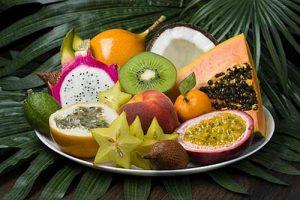 Hübsch angerichtet auf einem Obstteller, können Passionsfrüchte wahre Hingucker sein.